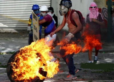 "alt=""Arrests made after soldiers try to launch uprising against President Maduro"""