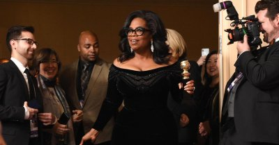 "alt=""Oprah's Globes speech sparks 2020 presidential speculation"""