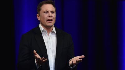 "alt =""Tesla hit by doubts over Elon Musk's delisting plan"""