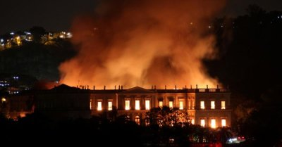 "alt=""Tensions flare after fire destroys Brazil museum in 'tragedy foretold'"""