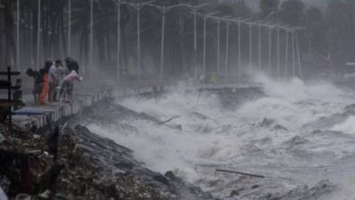 "alt=""Typhoon Mangkhut: 14 killed as storm batters Philippines"""
