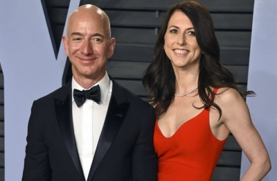 "alt=""Amazon founder Jeff Bezos and wife divorcing after 25 years"""