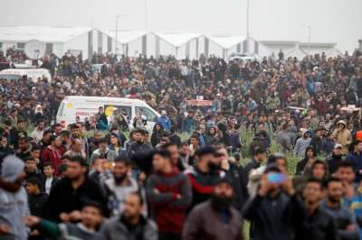 "alt=""4 Palestinian protesters killed as thousands gather at Gaza-Israel border"""
