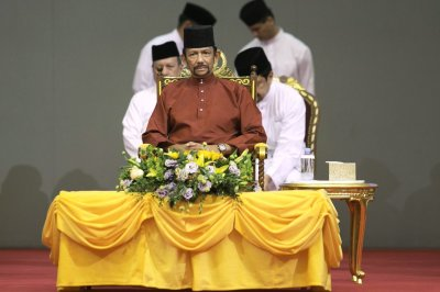 "alt=""Brunei Stoning Punishment for Gay Sex and Adultery Takes Effect"""