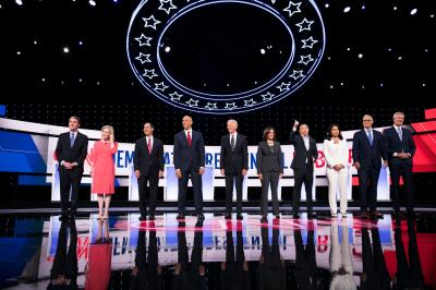 "alt=""5 Highlights From Night 2 of Democratic Debates"""